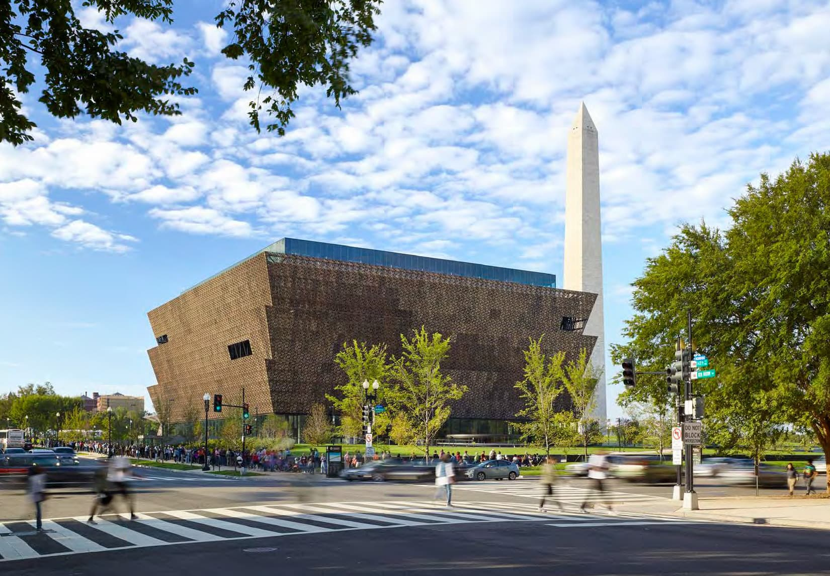Smithsonian Institution, National Museum of African American History and Culture by Freelon Adjaye Bond (Brad Feinknopf & Alan Karchmer)
